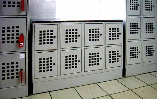 Металлический шкаф для ручной клади и сумок ШМ-С 24-30 в Перми