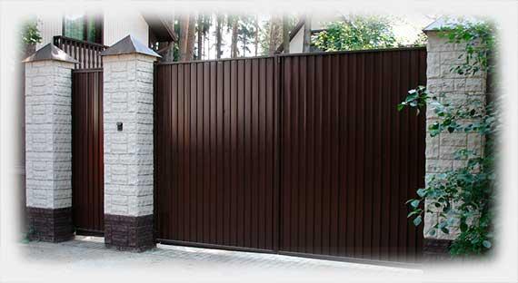 Распашные ворота из профнастила в Перми